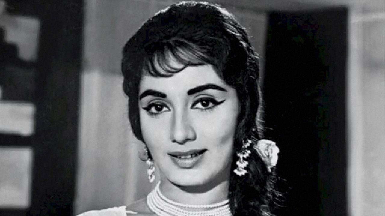 interesting-life-story-of-veteran-bollywood-actress-sadhna